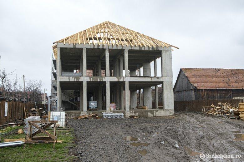 Még idén átadnák a kibővített iskolát Csíkcsicsóban