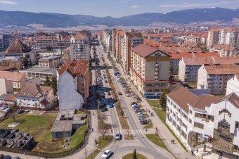 Véglegesen eldőlt: nem lesz külön buszsáv a csíkszeredai Kossuth Lajos utcában