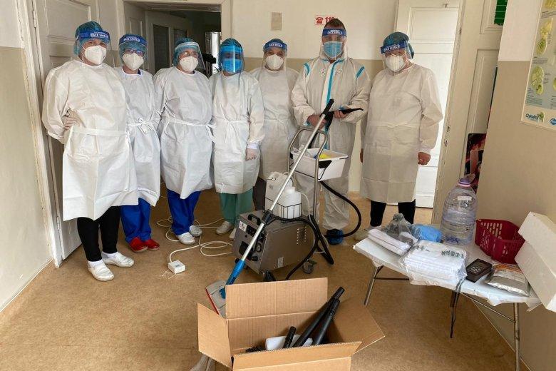 Korábbi pácienstől kapott adományt a csíkszeredai kórház koronavírusos betegeket ápoló osztálya