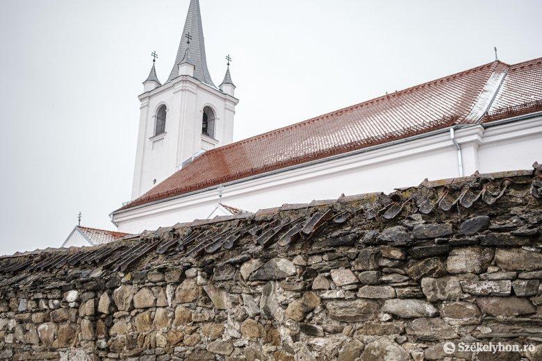 Ingyenes honosítás, anyasági- és életkezdési támogatás ügyintézése Csíkszentmárton községben