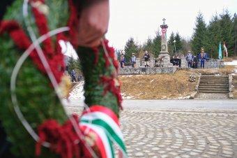 Még mindig ragyog a magyar szabadság lángja
