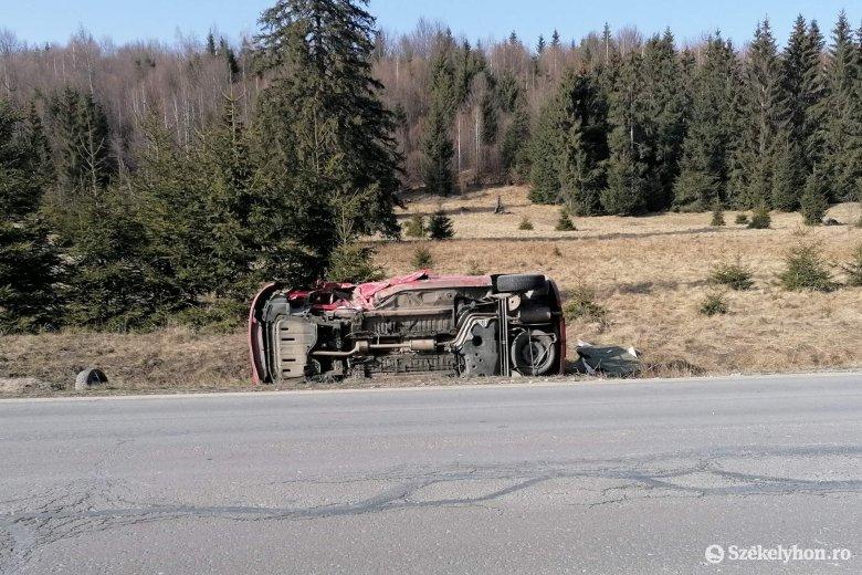 Hárman sérültek meg egy balesetben Kalibáskő közelében