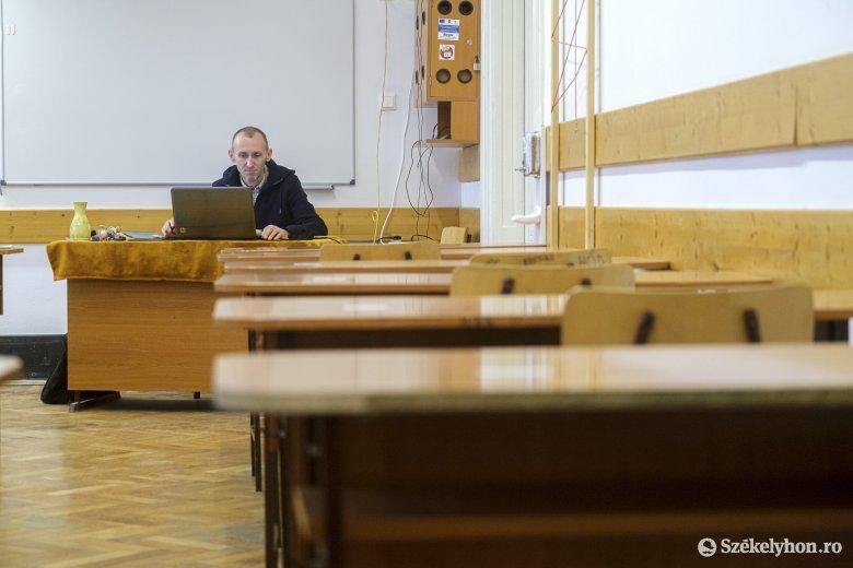 Cîmpeanu megnyugtatja az aggódó diákokat: az iskolák dönthetnek az áttérésről online oktatásra
