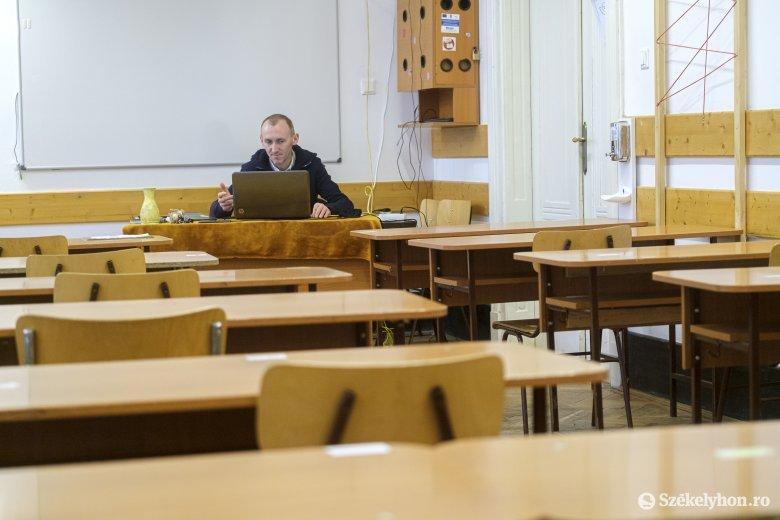Jövő héttől ismét online oktatás Székelyudvarhelyen – de nem mindenkinek