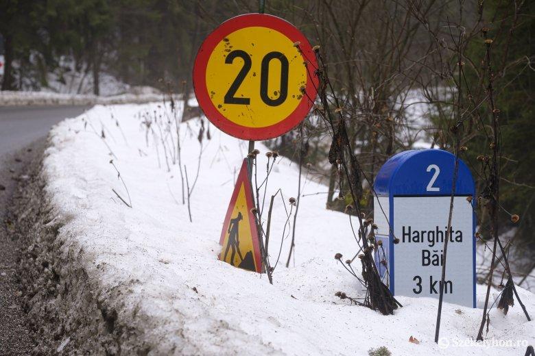 Még nem fejeződött be a Hargitafürdőre vezető útszakasz felújítása