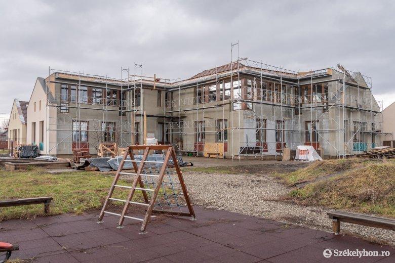 További támogatások szükségesek a madéfalvi építkezések befejezéséhez