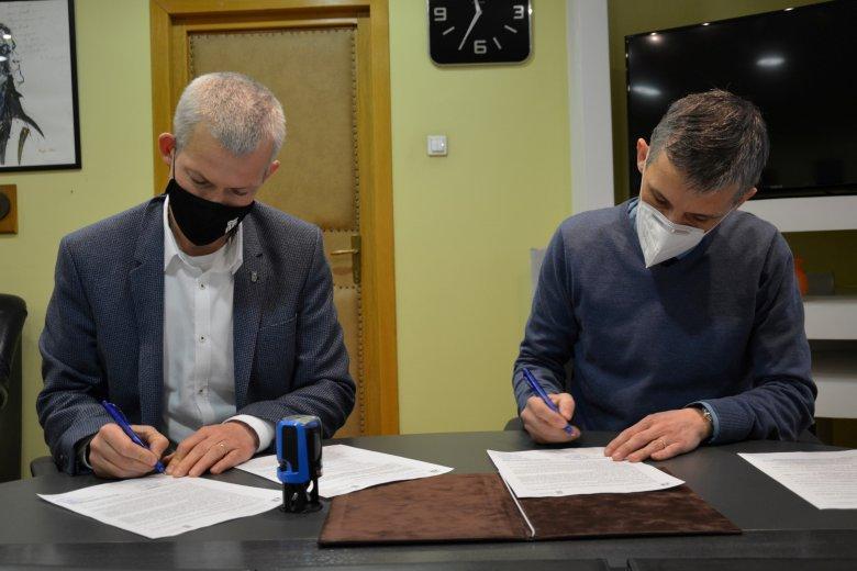 Együttműködési megállapodást kötött a Sapientia egyetem és a pedagógusok háza