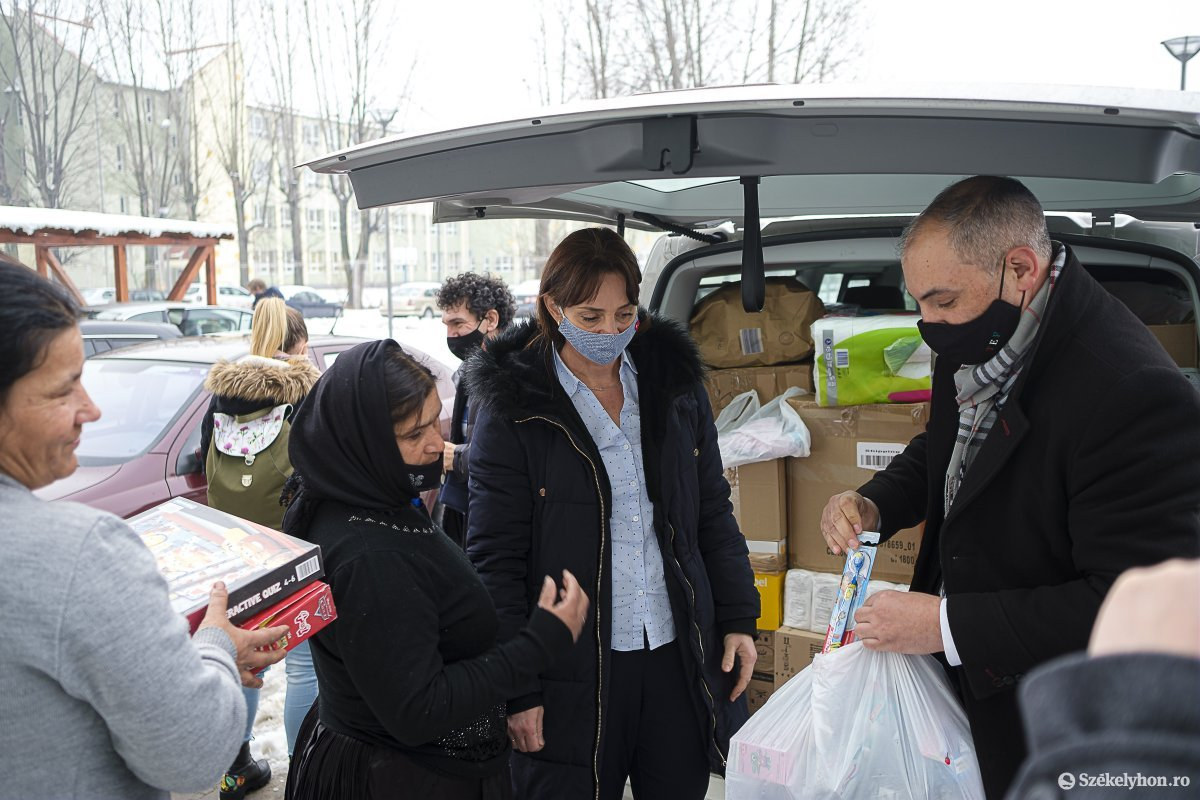 https://media.szekelyhon.ro/pictures/csik/aktualis/2021/11_februar/o_magyar-tamogatas-vn-022.jpg