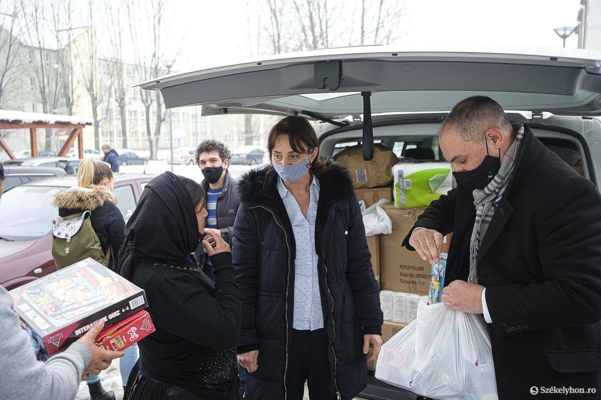 https://media.szekelyhon.ro/pictures/csik/aktualis/2021/11_februar/o_magyar-tamogatas-vn-023.jpg