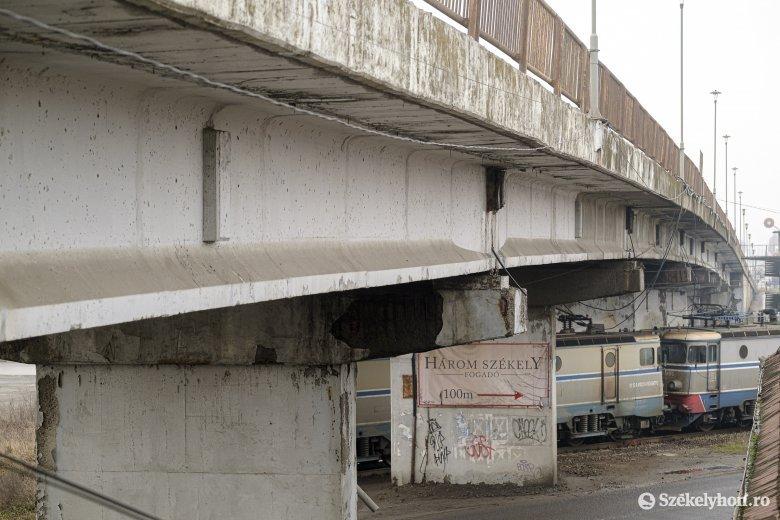 Újjáépítik a vasúti felüljárót Csíkszeredában, a munkálatok várhatóan jövőben kezdődnek el