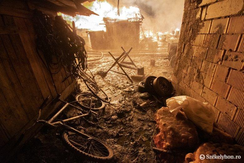 Még nem tudni hivatalosan, hogy mi okozta a csíksomlyói tüzet