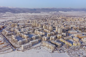 Itt a kemény tél: Csíkszeredában mínusz 23 Celsius-fokot mértek, Arad megyében elhajlott a sín