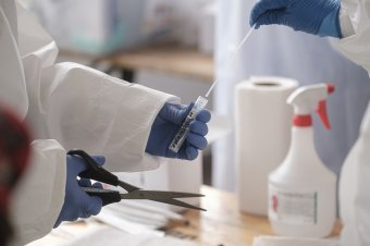 Életbe lépett a gyógyszertári tesztelést lehetővé tevő rendelet, de még sok a kérdőjel