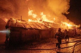 Romajövő-tervezés a pusztító tűz után: több mint 250 hajléktalanná vált személyről kell gondoskodni Csíkszeredában