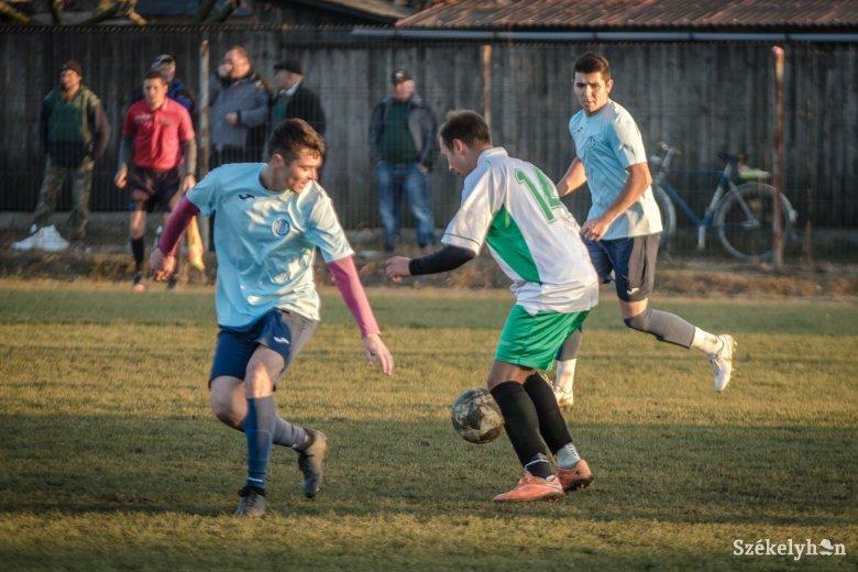 Tizenhárom gól a csicsói focimeccsen