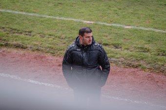 Nagy múltú angol klubnál is szóba jött a neve, de az UTA edzője maradt