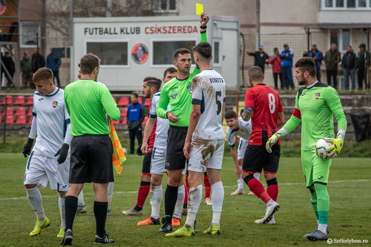 https://media.szekelyhon.ro/pictures/csik/sport/2019/02_november/o_fkcsikszereda-gloriabuzau-2liga-pnt-10.jpg
