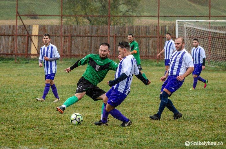 Befejeznék a megyei labdarúgó-bajnokságokat