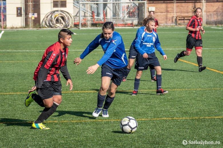 Sorsoltak a női labdarúgó Román Kupában
