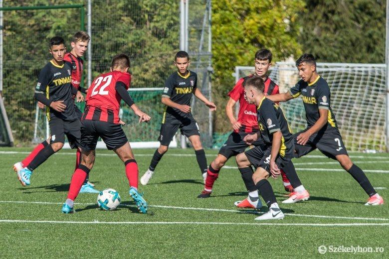Idegenben nyertek az FK ificsapatai