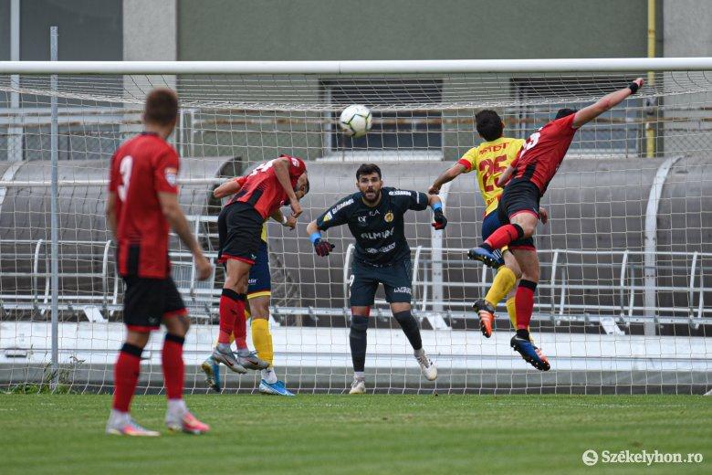 Az utolsó percekben mentett pontot az FK Csíkszereda