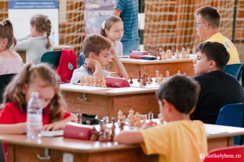 Szoros élmezőny a csíki sakkfesztiválon