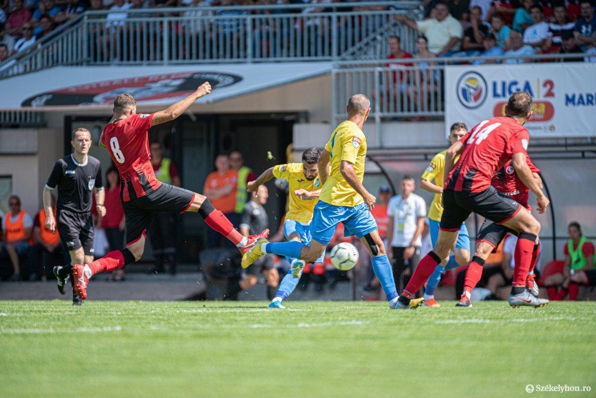 https://media.szekelyhon.ro/pictures/csik/sport/2019/05_augusztus/o_fk_csikszereda_dunarea_calarasi_ga-18.jpg