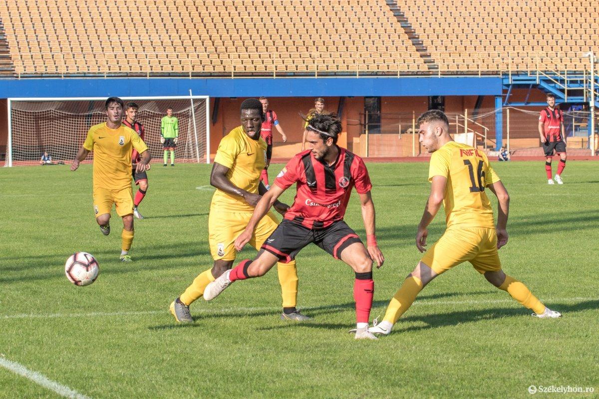 https://media.szekelyhon.ro/pictures/csik/sport/2019/05_augusztus/o_fkcsikszereda-ceahlaul-romankupa-pnt-013.jpg
