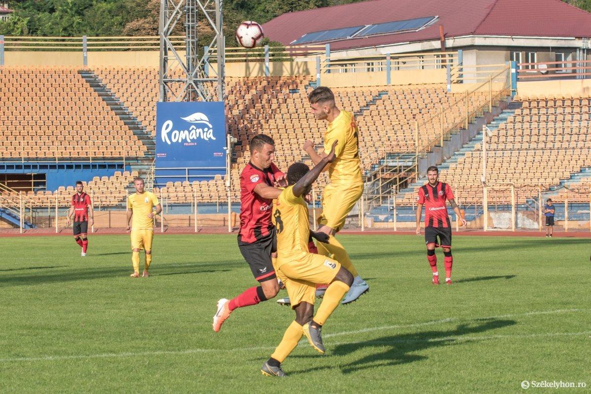 https://media.szekelyhon.ro/pictures/csik/sport/2019/05_augusztus/o_fkcsikszereda-ceahlaul-romankupa-pnt-014.jpg