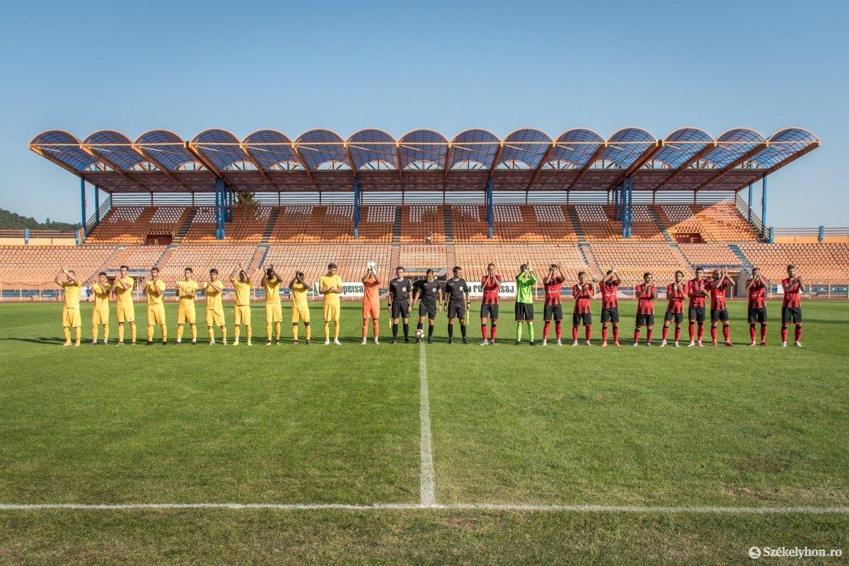 https://media.szekelyhon.ro/pictures/csik/sport/2019/05_augusztus/o_fkcsikszereda-ceahlaul-romankupa-pnt-02.jpg