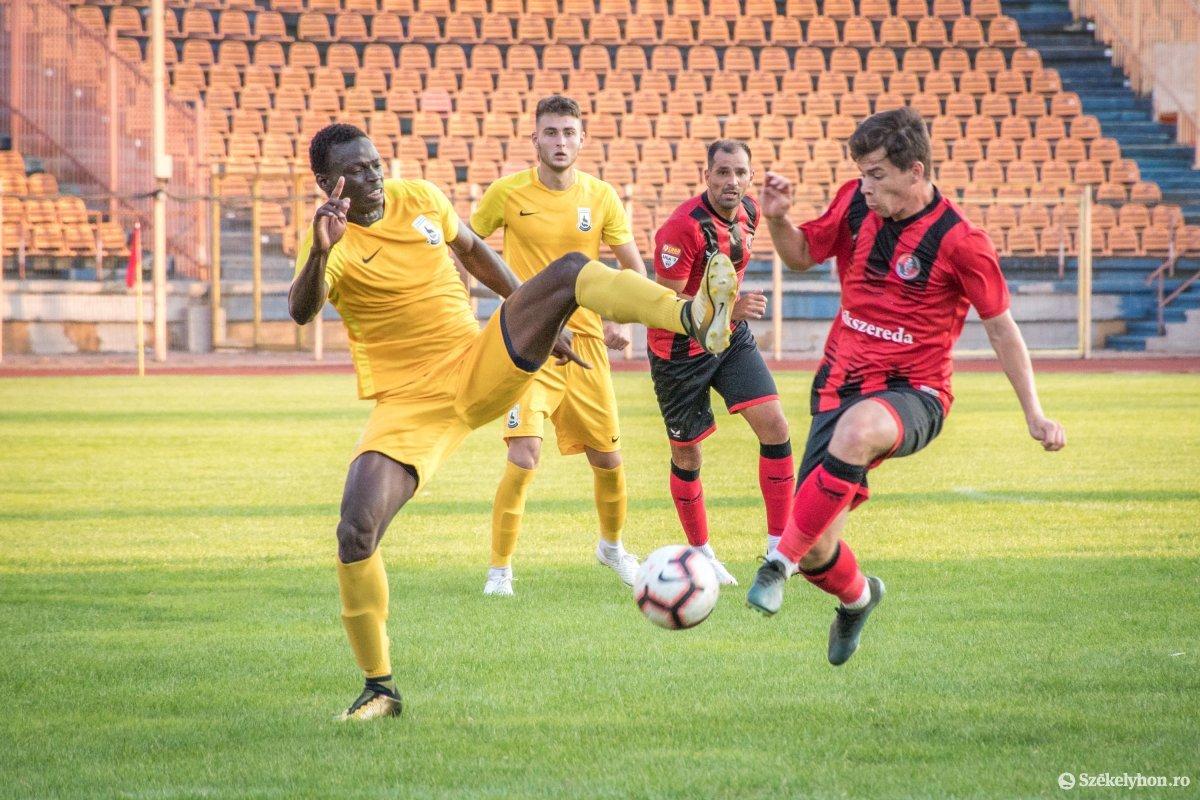 https://media.szekelyhon.ro/pictures/csik/sport/2019/05_augusztus/o_fkcsikszereda-ceahlaul-romankupa-pnt-021.jpg