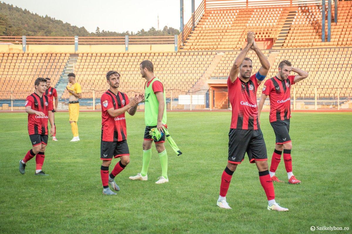 https://media.szekelyhon.ro/pictures/csik/sport/2019/05_augusztus/o_fkcsikszereda-ceahlaul-romankupa-pnt-030.jpg