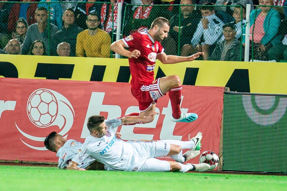 https://media.szekelyhon.ro/pictures/csik/sport/2019/05_augusztus/o_sepsiosk_cfr-kolozsvar18.jpg