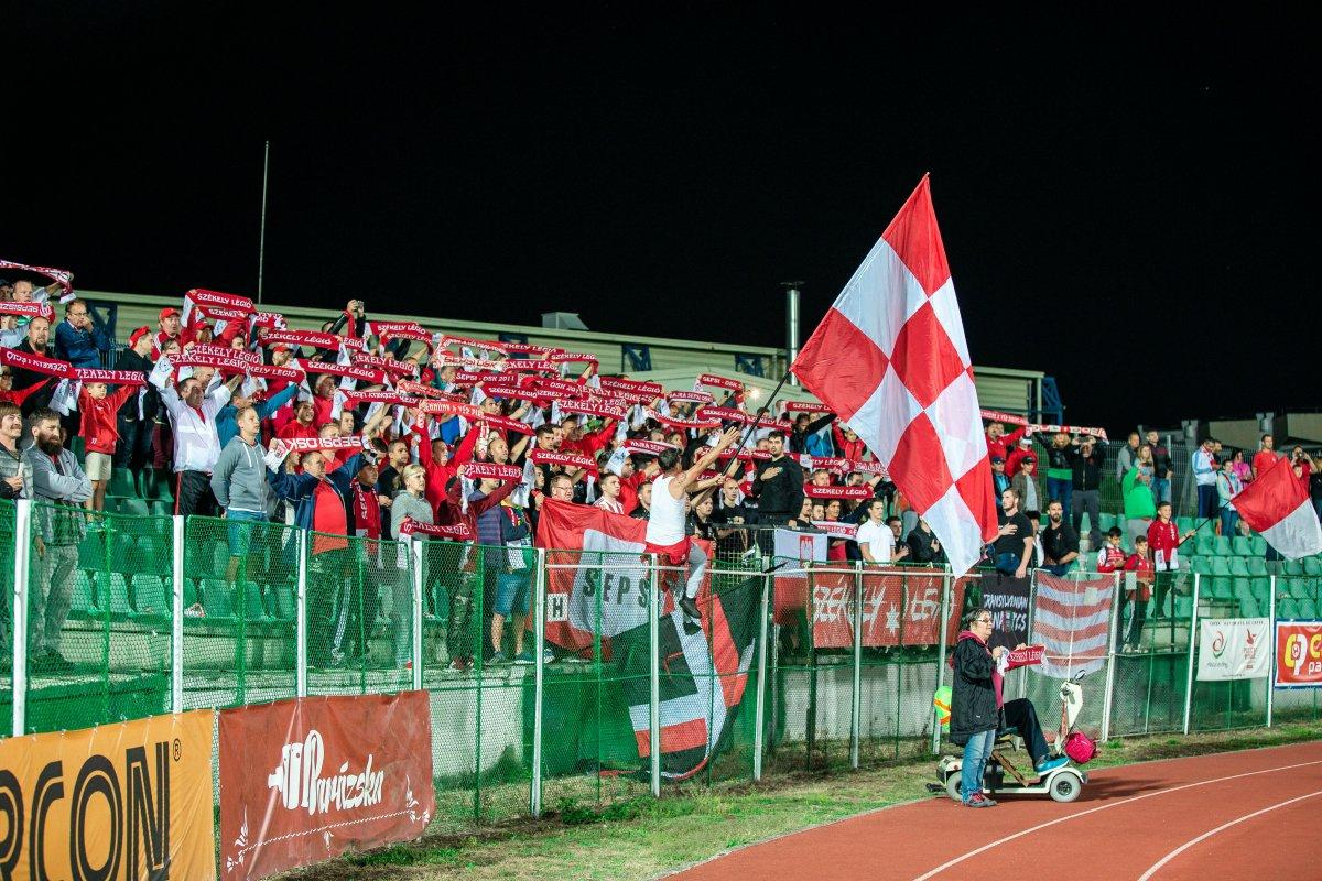 https://media.szekelyhon.ro/pictures/csik/sport/2019/05_augusztus/o_sepsiosk_cfr-kolozsvar34.jpg
