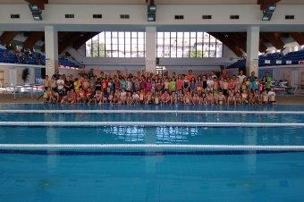 Iskolák közötti úszóverseny volt Csíkszeredában
