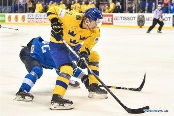 Orosz–finn és kanadai–cseh elődöntők a hokivébén