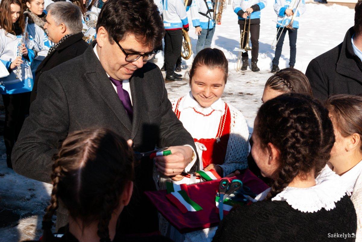 https://media.szekelyhon.ro/pictures/csik/sport/2019/12_januar/o_orvosi_metodikai_kozpont_ga-10.jpg