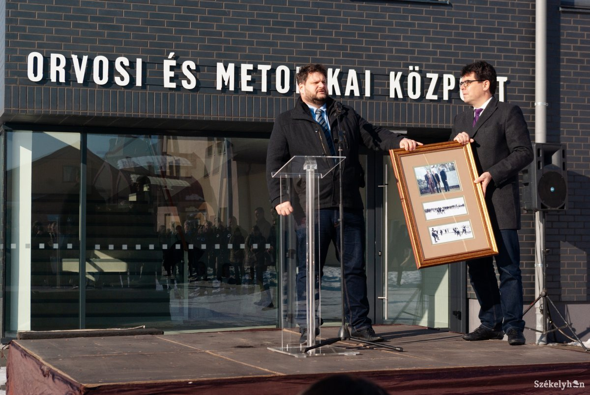 https://media.szekelyhon.ro/pictures/csik/sport/2019/12_januar/o_orvosi_metodikai_kozpont_ga-5.jpg