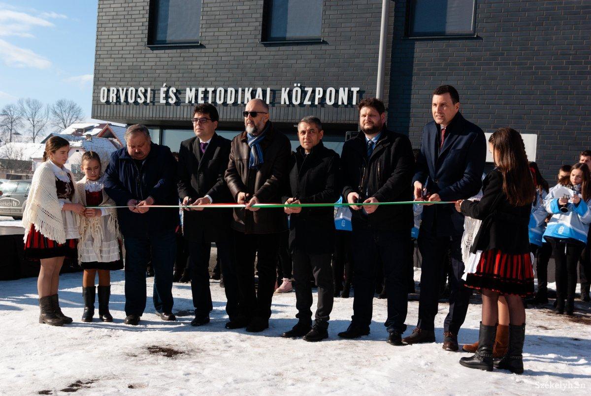https://media.szekelyhon.ro/pictures/csik/sport/2019/12_januar/o_orvosi_metodikai_kozpont_ga-8.jpg