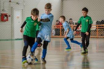 Háromszáz lejes utalványt kapnak a sportklubokhoz igazoló gyerekek Romániában