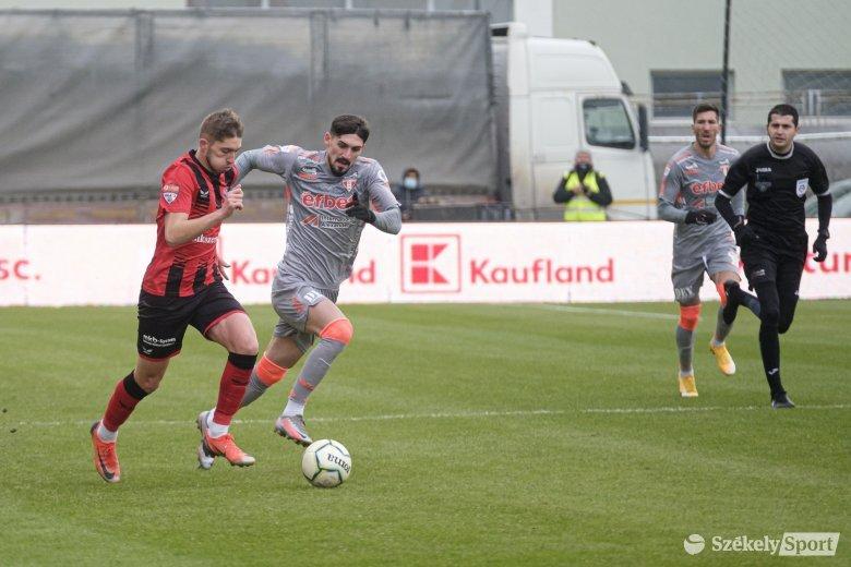 Jól keres az FK Csíkszeredát kiejtő játékvezető
