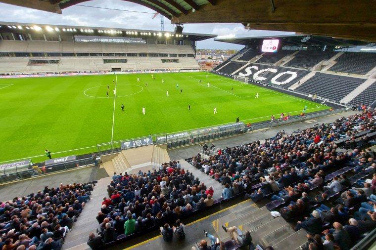 Ezt nevezik tiszteletnek: a franciák sorfalat álltak az FK játékosainak