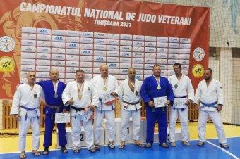 Halmozták az érmeket a veterán csíki dzsúdósok az országos bajnokságon