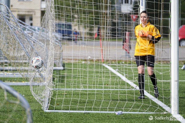 Csoportja élre állt a csíki női focicsapat