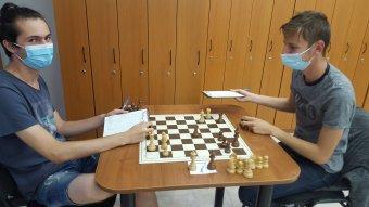 A végéhez közeledik a Caissa nemzetközi sakkverseny