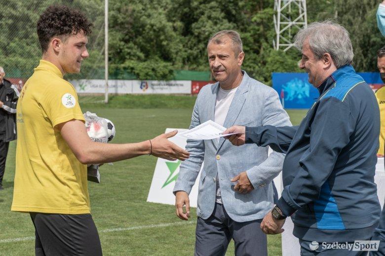 Alázattal és visszafogottsággal kell kezelni a sikert az FK Csíkszereda U19-es bajnokcsapatának tehetsége szerint