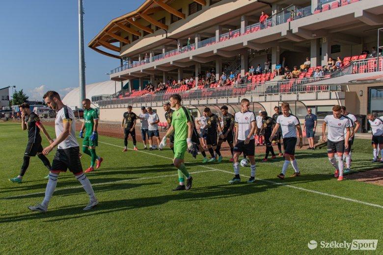 Alakul az FK Csíkszereda kerete, törökországi edzőtáborba vonulnak