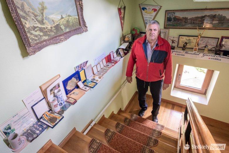 Kétszer állhatott olimpiai dobogón – Kicsid Gábor állatorvosnak készült, világhírű kézilabdázó lett