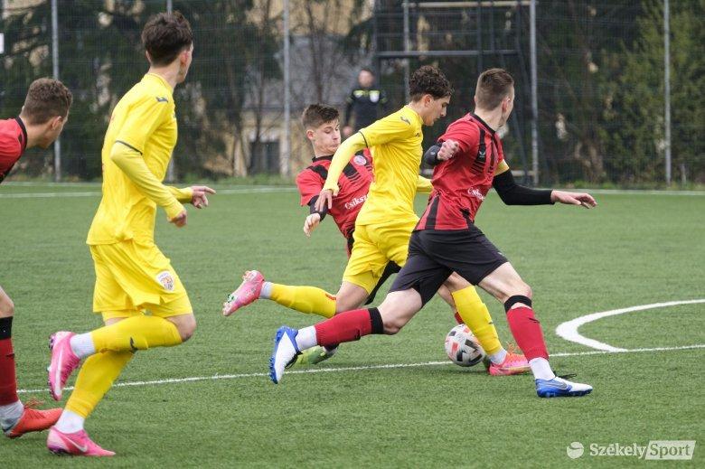 Csíkszeredában edzőtáborozott Románia korosztályos labdarúgó-válogatottja