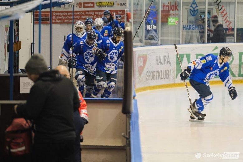 Pontot tehetnek a döntőre, hazai jégen lehetnek bajnokok a kék-fehérek